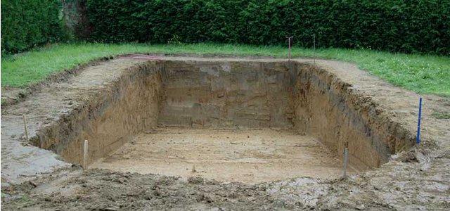 Permessi per la costruzione di una piscina interrata - Costo di una piscina interrata ...