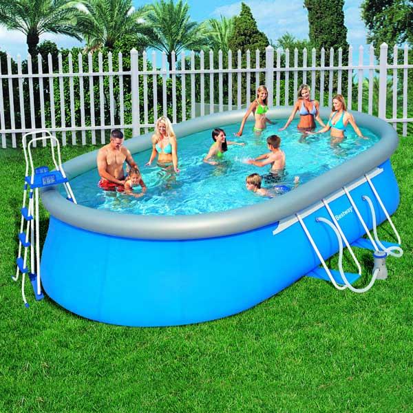 Divertimento e relax con bestway piscine fuori terra for Accessori piscine fuori terra bestway