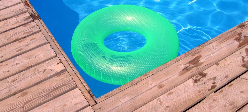 acqua della piscina pulita