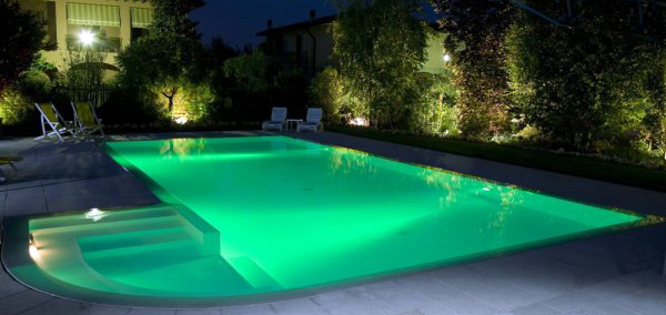 Le innovative lampade a led per piscina di teclumen blog - Piscina smontabile ...