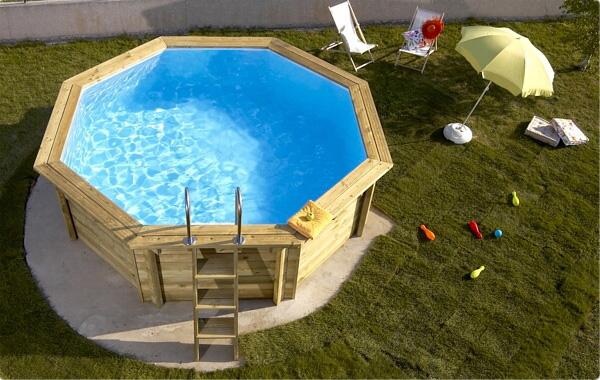 Le piscine fuori terra in legno blog piscine for Bordi per piscina prezzi