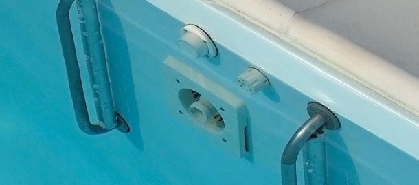 Nuoto controcorrente in piscina