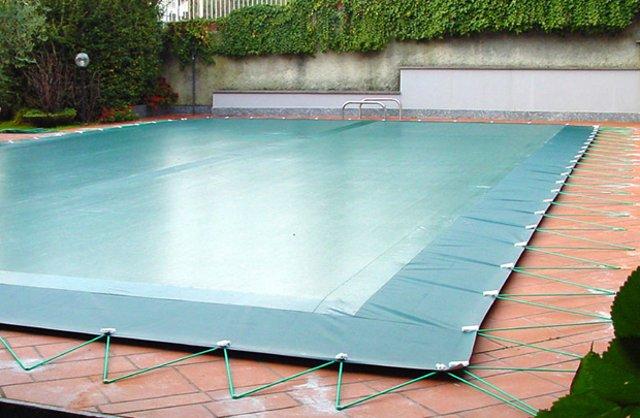 copertura filtrante per eliminare l'acqua stagnate dalle coperture invernali