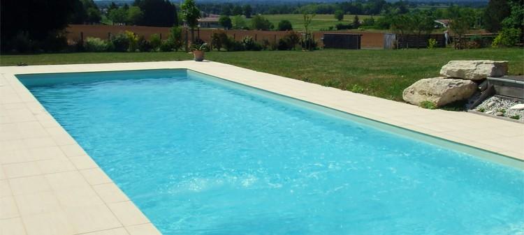Piscine in pannelli d 39 acciaio tecnologia qualit costi - Costo manutenzione piscina ...
