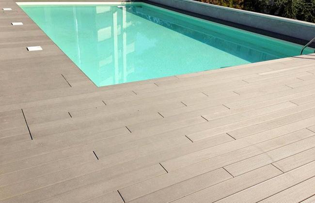 Pavimento in legno composito per piscina piscine