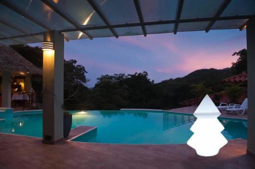 Lampada alberello da terra per piscina