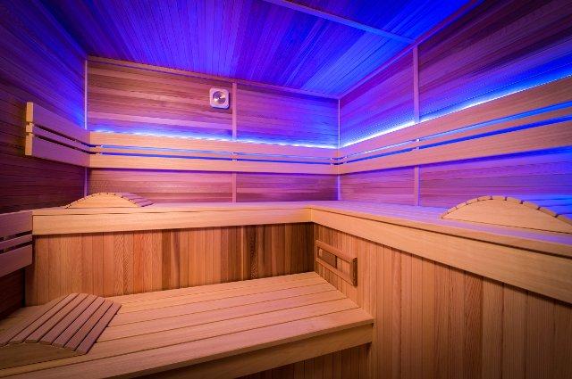 differenza di temperatura tra sauna finlandese e sauna infrarossi