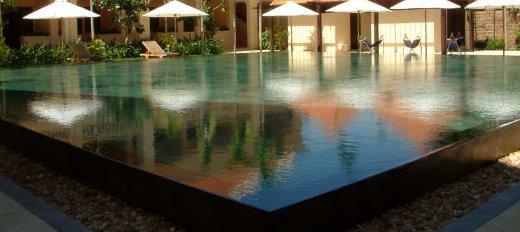 Tendenze piscine 2015 infinity Pools