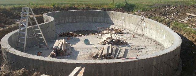 Costo di una piscina in cemento armato