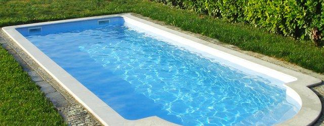 Costo di una piscina in vetroresina