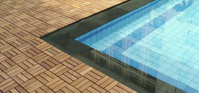 Rivestimenti per piscine tutte le possibilit a disposizione - Piastrelle per piscina esterna ...