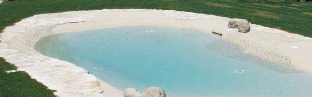 Rivestimenti per piscine tutte le possibilit a disposizione for Piscina resina