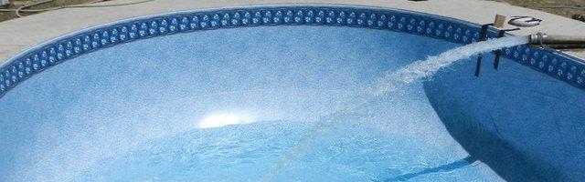 Riempimento acqua piscina