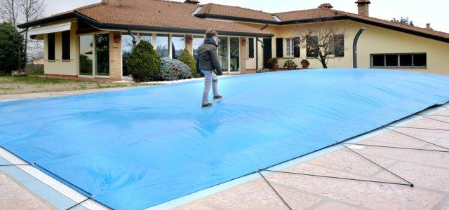 coperture di sicurezza per piscine cose da sapere