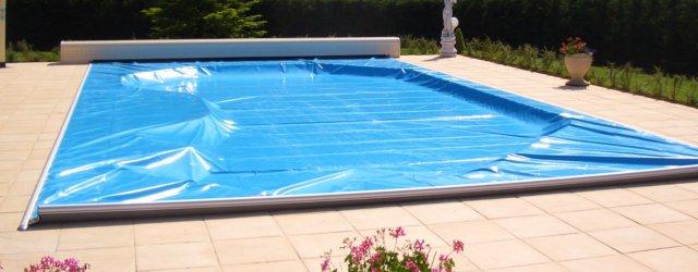 Coperture di sicurezza arrotolabili per piscine