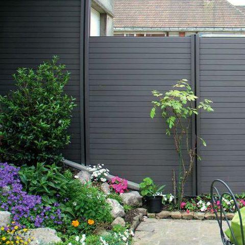 Solaio in legno lamellare recinzione frangivista da esterno for Divisori da esterno
