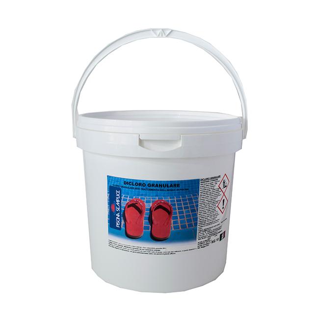 Cloro per piscine in polvere o liquido c 39 differenza for Cloro liquido per piscine