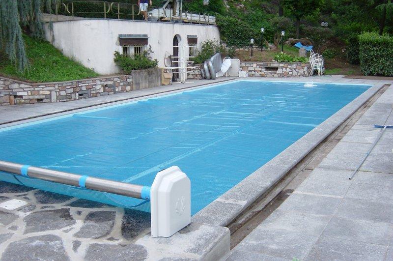 Coperture isotermiche per piscine quello che devi sapere for Cloro nelle piscine