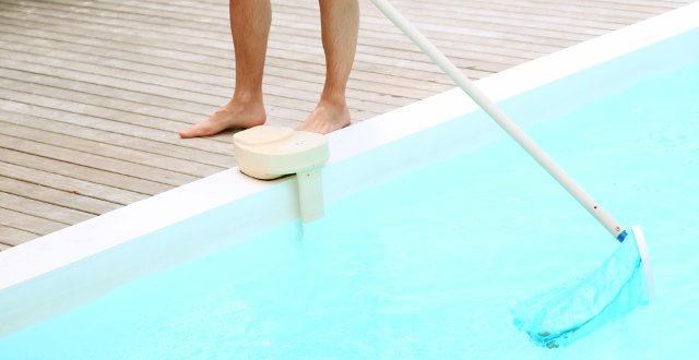 skimming scrematura piscina