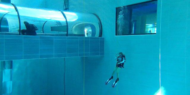 Y 40 la piscina più profonda al mondo
