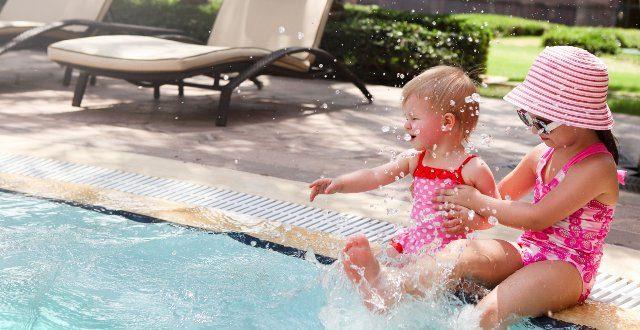 Sciruezza acqua piscina per i bambini