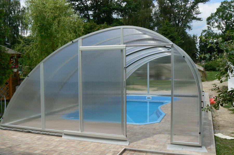 Coperture telescopiche per piscine: come prolungare la stagione