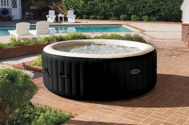 Quanto costa una vasca idromassaggio - Quanto costa una jacuzzi da esterno ...