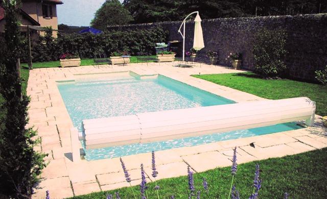 vantaggi coperture a tapparella per piscine