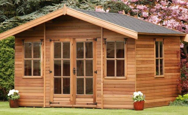 Casette in legno a bordo piscina vantaggi permessi e for Casette in legno abitabili
