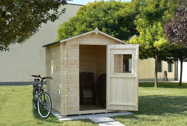 Casetta In Giardino Permessi : Casette in legno a bordo piscina vantaggi permessi e tante idee