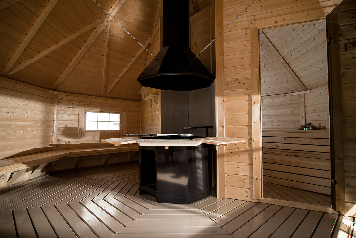 Come ricavare una piccola zona relax con le saune da esterno - Sauna da esterno ...