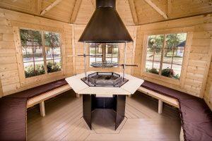 casette in legno con barbecue