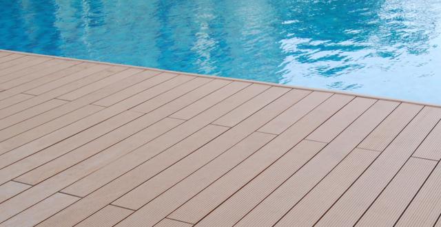 bordo piscine in wpc