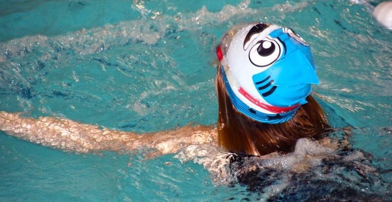 nuoto per la sicurezza in piscina