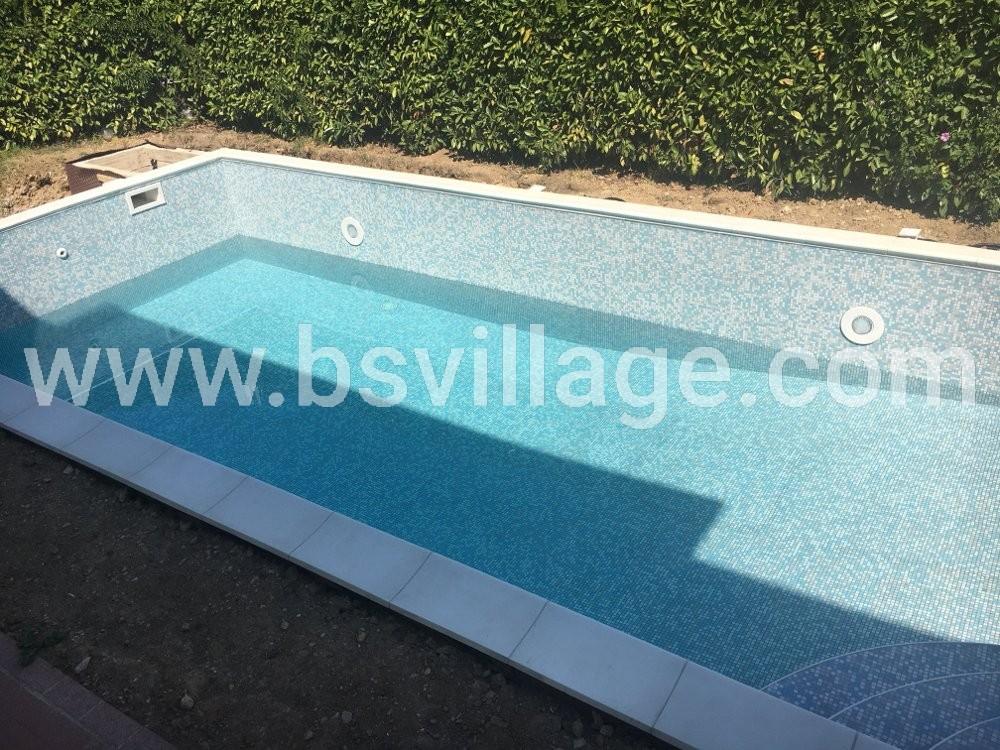 riempimento piscina in cemento armato