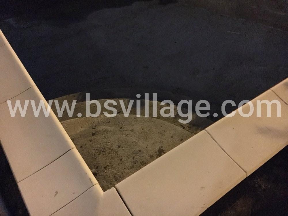 installazione bordi piscina in cemento armato