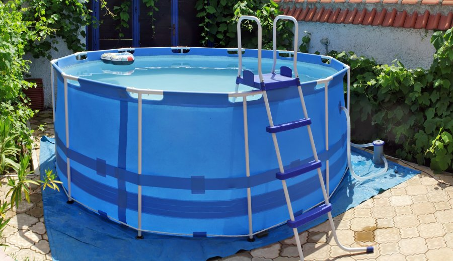 Come scegliere la scaletta per piscina blogpiscine for Piscina 7 mil litros