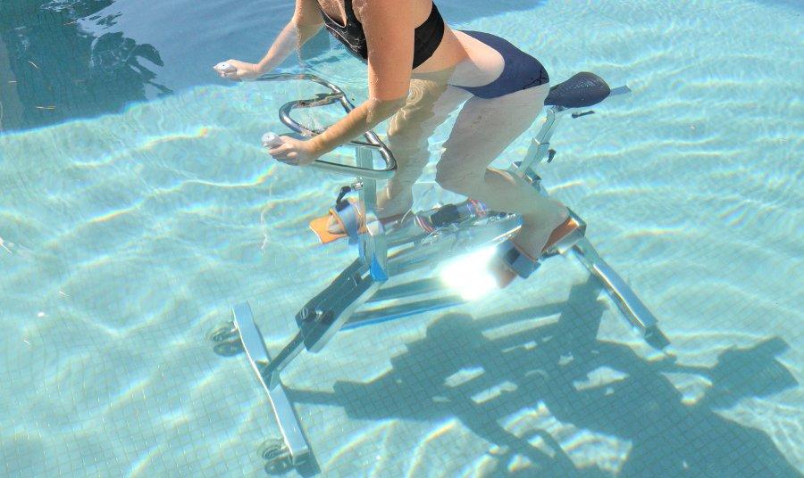 aquabike per il fitness in piscina
