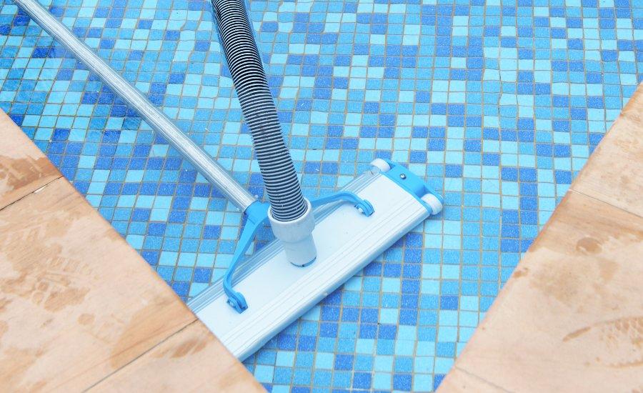aspirazione piscina