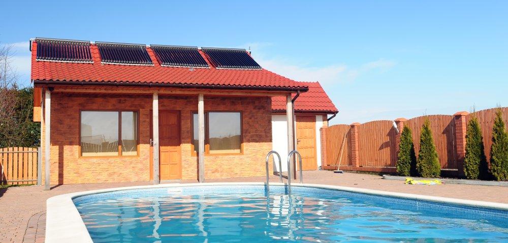 pannelli solari per riscaldare la piscina