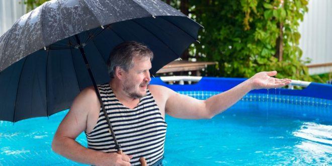 trattare la piscina dopo un temporale
