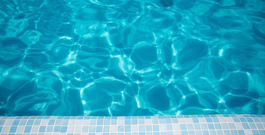 consumi d'acqua per risparmio idrico in piscina