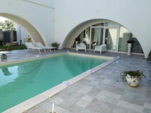 piscina chiara