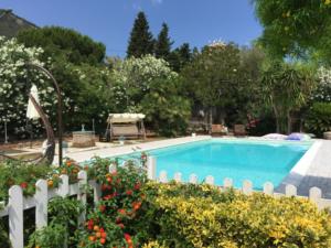 piscina in giardino