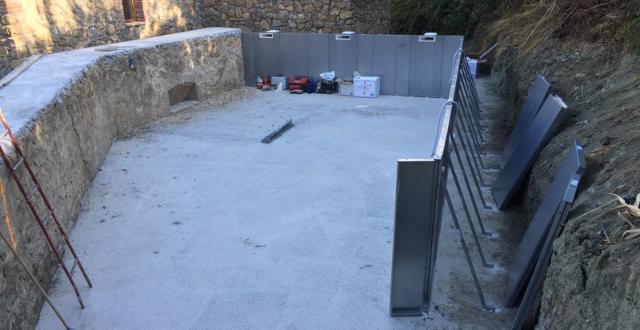 montaggio struttura piscina in pannelli